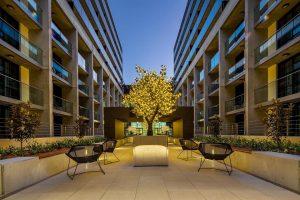AvenueCanberra courtyard 300x200
