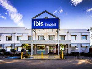 IbisBudgetCanberra exterior 300x225