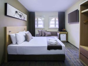 IbisBudgetMelbourneCBD room 300x225