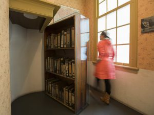 anne frank house movable bookcase with visitor anne frank house  photo cris toala olivares.jpg  640x480 q85 crop subsampling 2 upscale 300x225