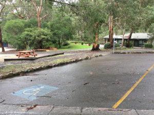 FerntreeGullyPicnicGround parking 300x225