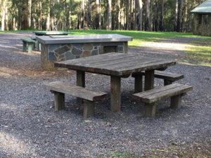 OneTreeHillPicnicGround table 300x225
