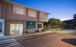 gallery motel exterior 2 405x254 1 300x188